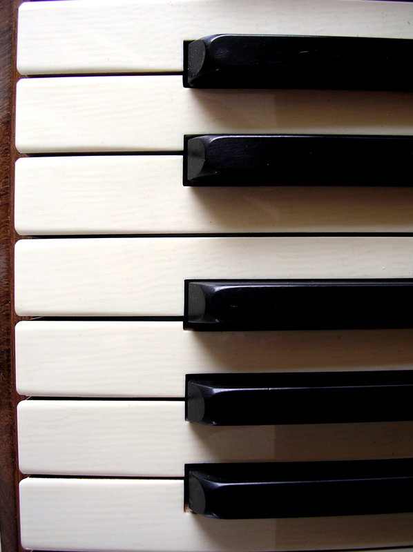 Take Piano or Keyboard lessons at Esquimalt Music Centre in Esquimalt BC